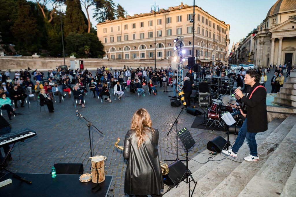 """""""Vivi Live"""" a Piazza del Popolo: il primo spettacolo dal vivo dopo il Lockdown"""